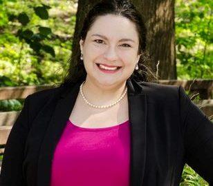 Monica Flores-Richart